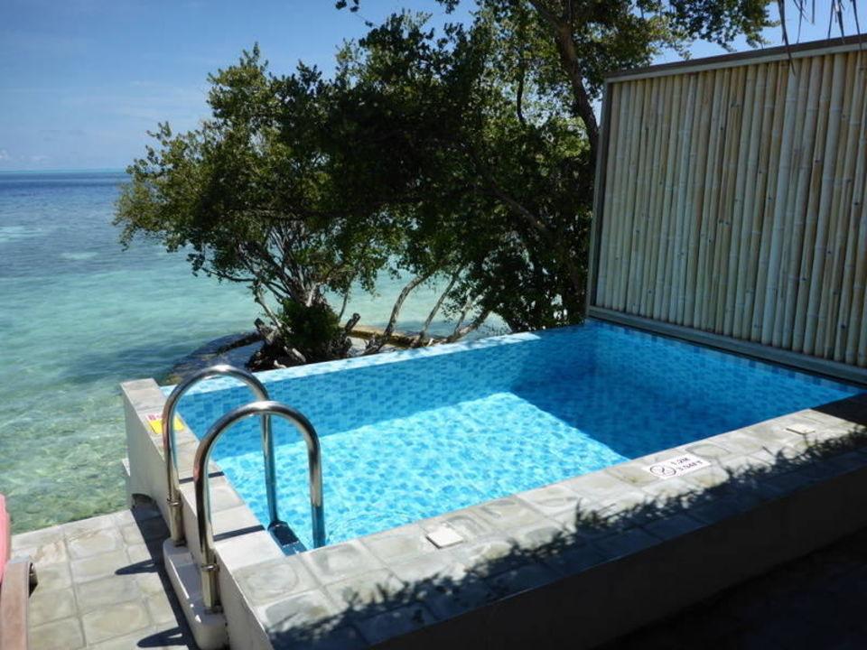 pool am balkon oblu by atmosphere at helengeli. Black Bedroom Furniture Sets. Home Design Ideas