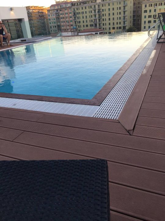 pool auf dem dach hotel h10 roma citt rom holidaycheck latium italien. Black Bedroom Furniture Sets. Home Design Ideas