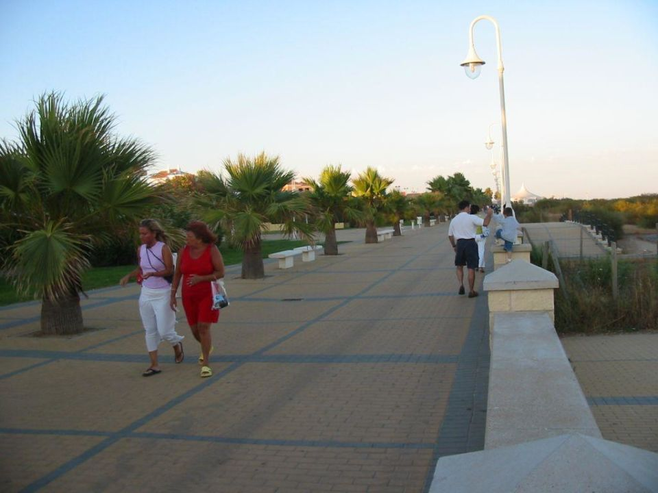Die Strandpromenade... TUI FAMILY LIFE Islantilla