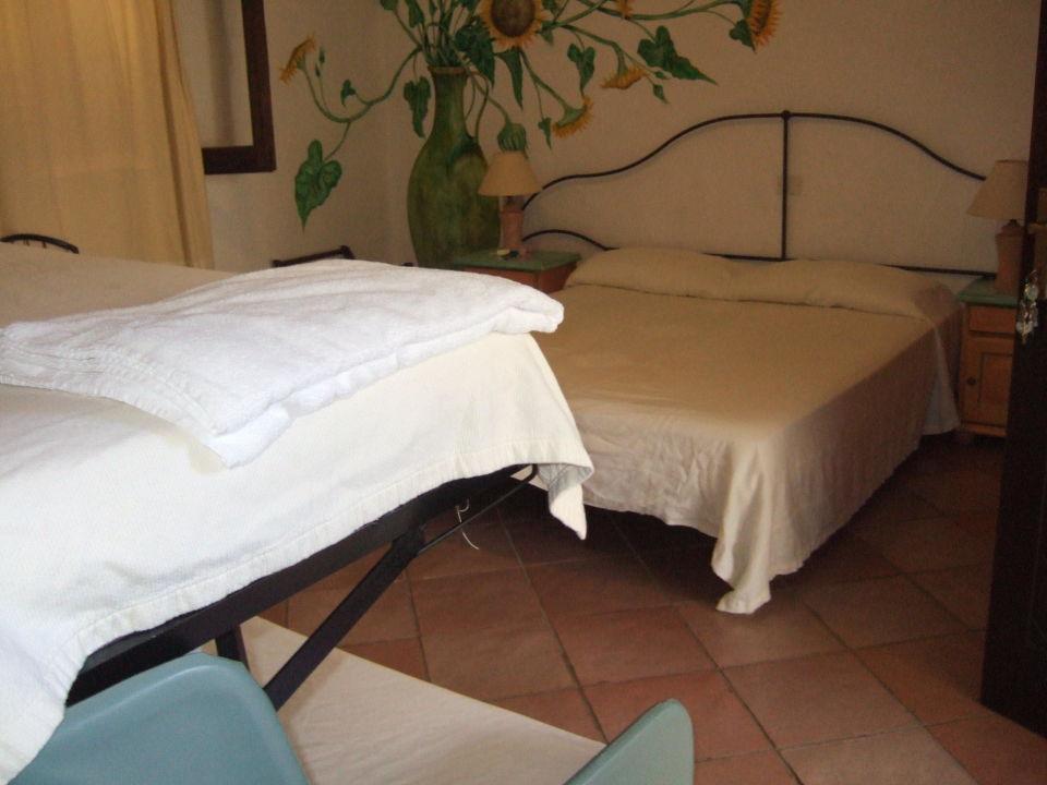 Camere matrimoniale con divano letto a castello\