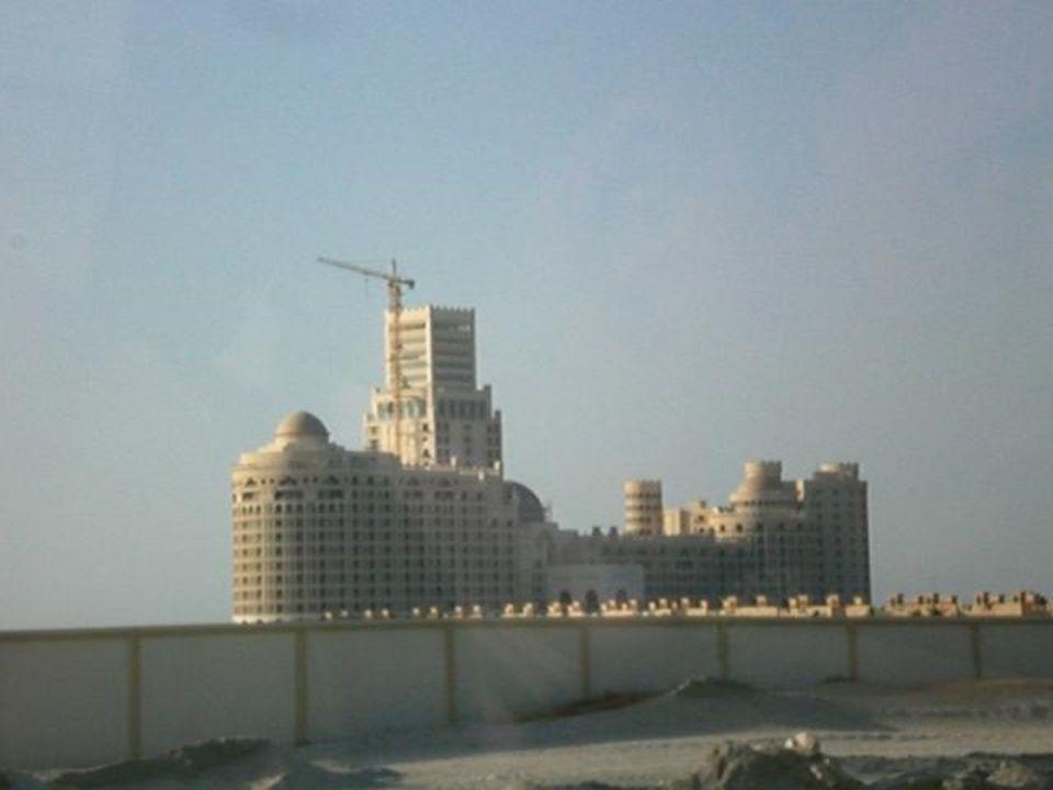 Hinfahrt dies ist der Neubau Al Hamra Residence