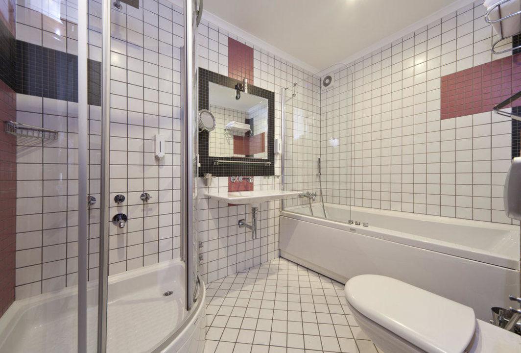 King Suite bathroom Xperia Grand Bali Hotel