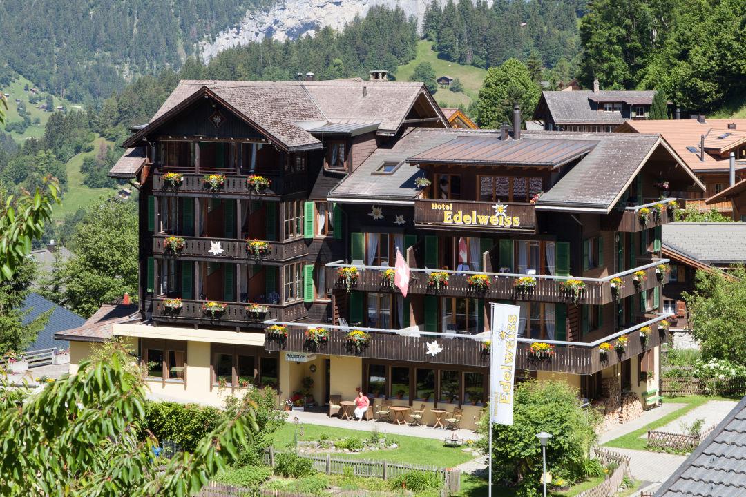 Außenansicht Hotel Edelweiss