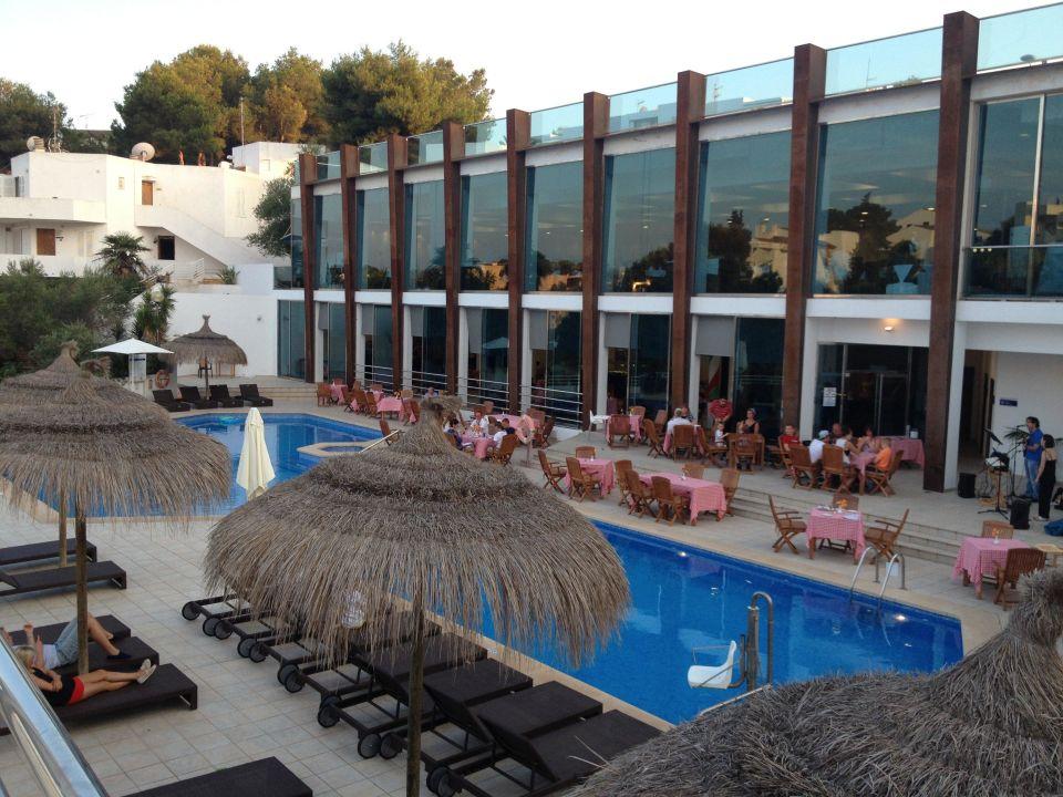 Pool und Restaurant Mar Hotels Ferrera Blanca