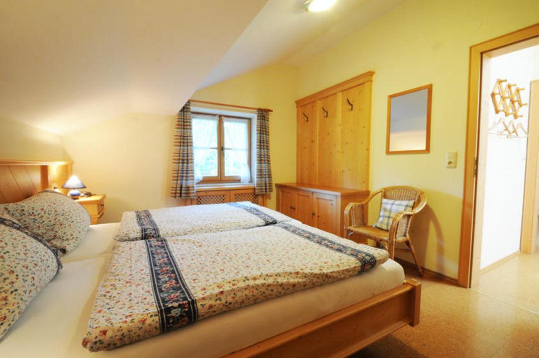 Schlafzimmer in der Ferienwohnung Roswitha. Wimmerhof Ising