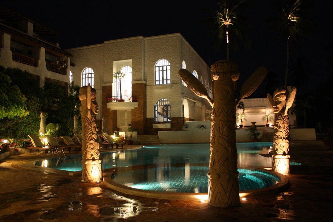 Süßwasserpool bei Nacht The Imperial Samui (Vorgänger-Hotel – existiert nicht mehr)