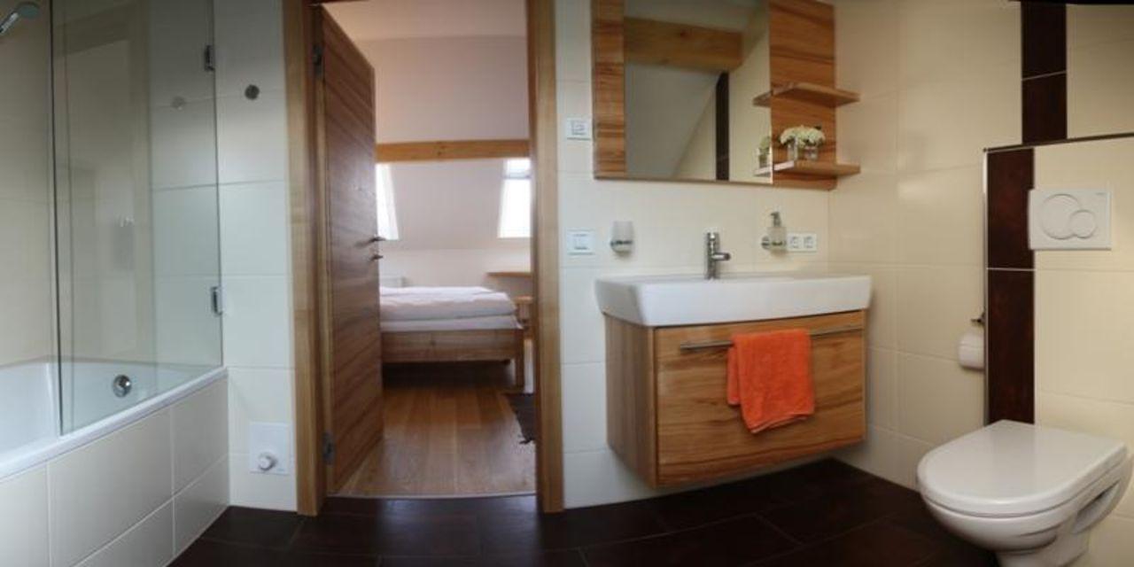 """badezimmer"""" bauernhof Ölerhof in haag am hausruck • holidaycheck, Badezimmer ideen"""