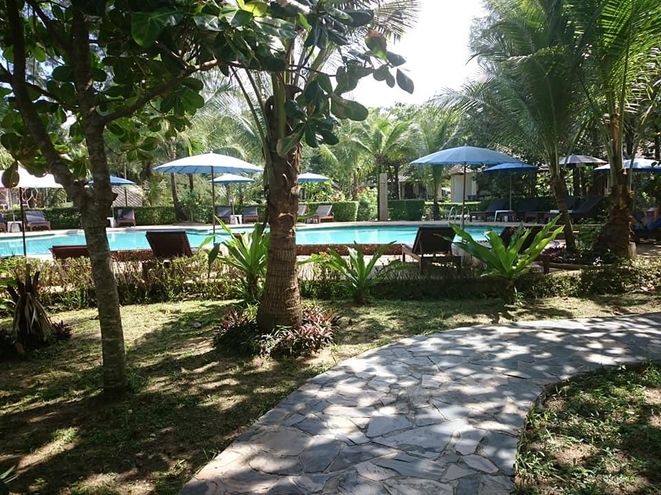 Pool Lah Own Resort