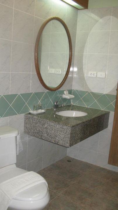 Toilette und Waschbecken Samui Natien Resort