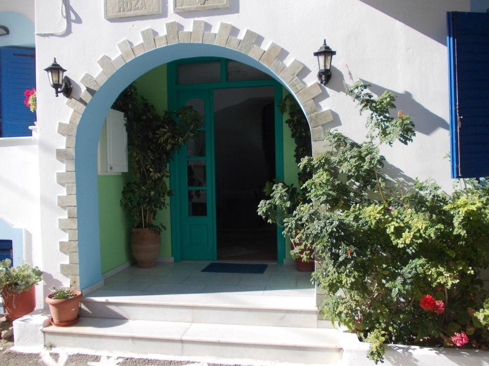 Eingang Apartments Katerina Roza Studios