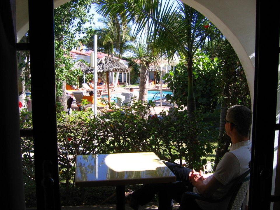 Blick aus dem Bungalow Gay Bungalows Nayra  (Vorgänger-Hotel – existiert nicht mehr)