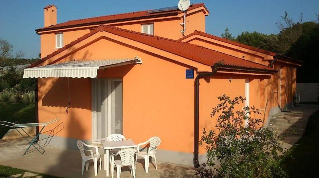 Garten und Terrasse - Ferienwohnungen Blanka & Mar Ferienwohnungen Blanka & Marina