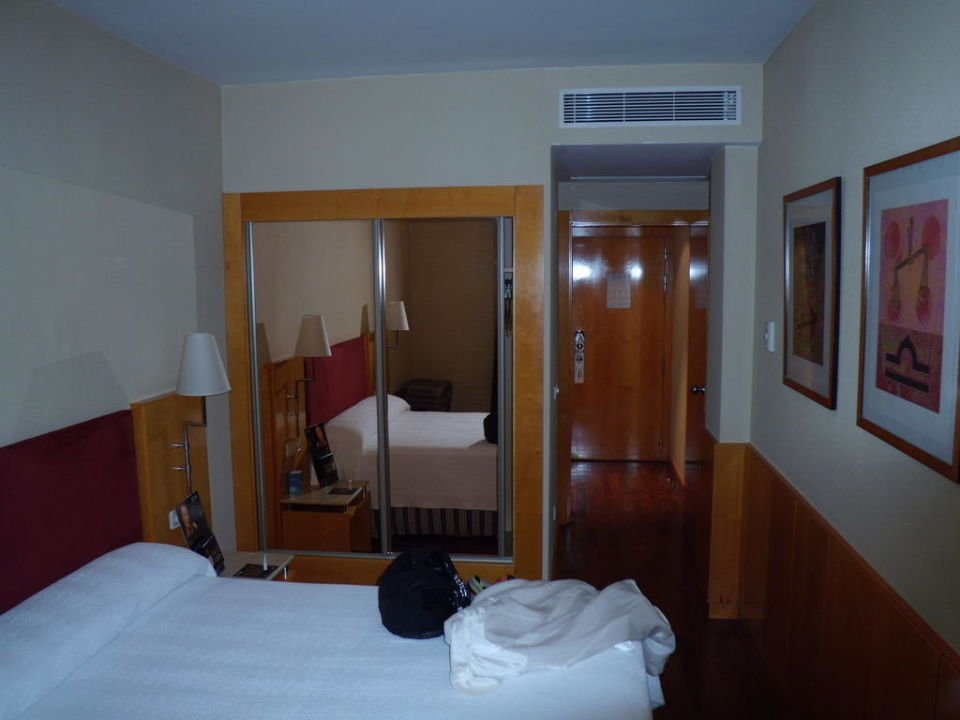 Cama Leonardo Hotel Madrid City Center