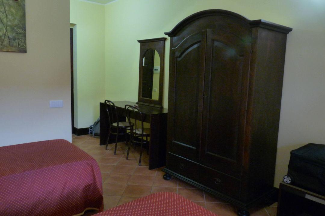 Rustikale einrichtung hotel baia di ulisse in agrigento for Rustikale einrichtung