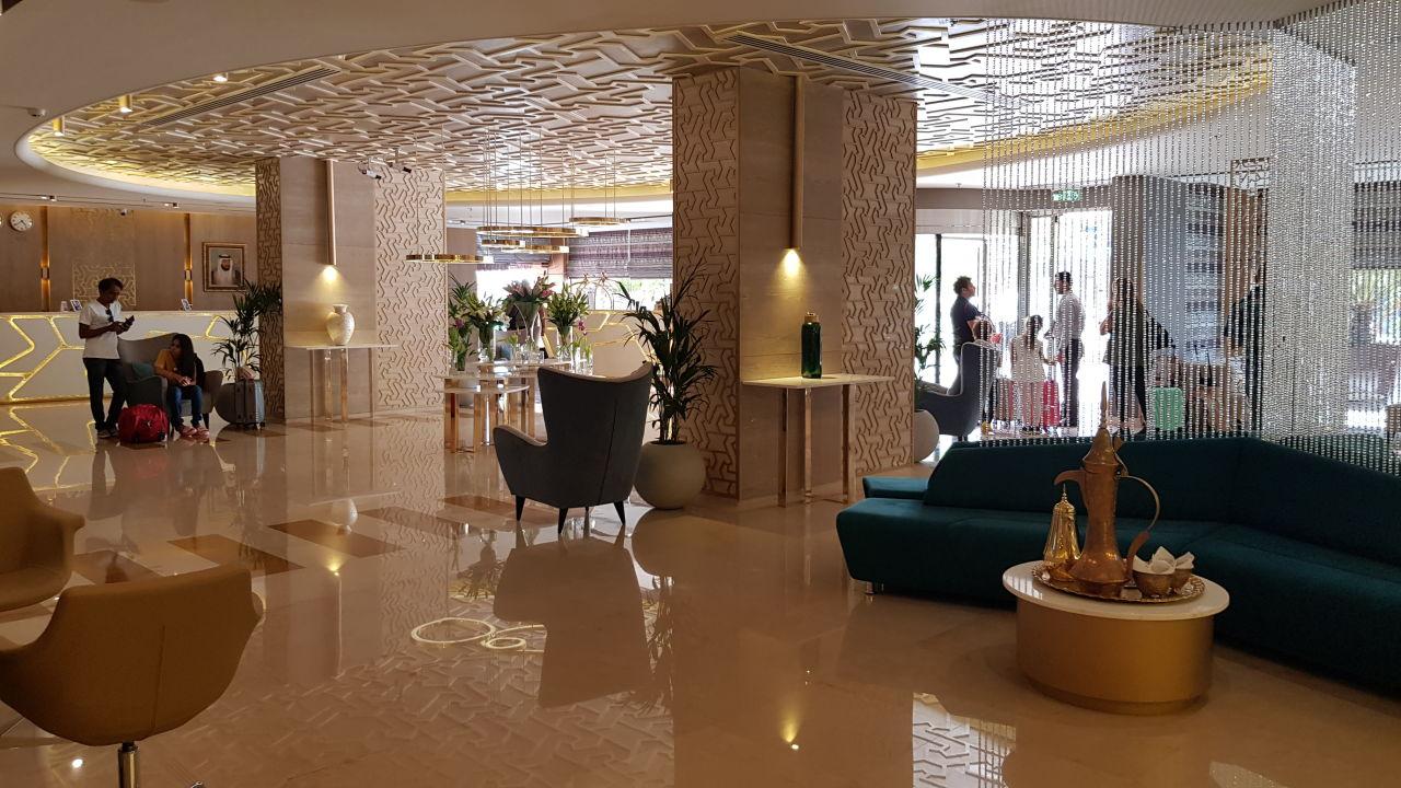 Lobby Two Seasons Hotel & Apartments