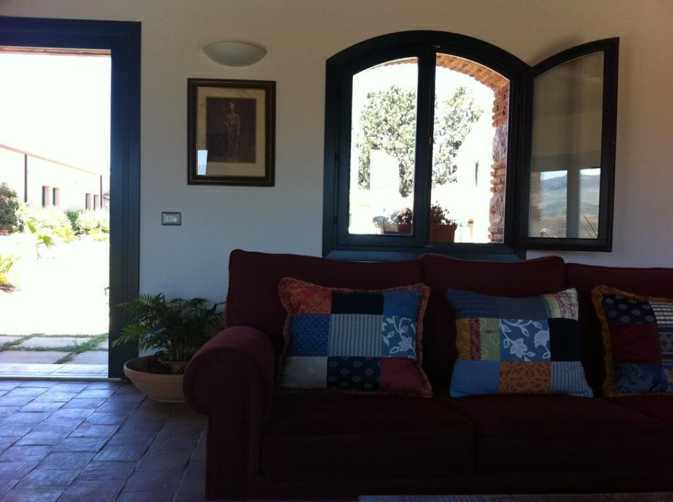 bild wohnzimmer f r alle zu masseria del piano. Black Bedroom Furniture Sets. Home Design Ideas