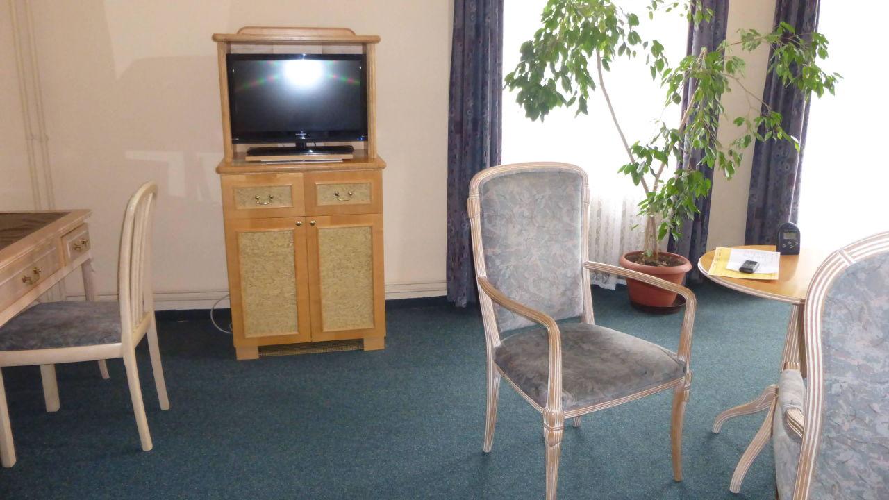 App nr 211 das bequeme wohnzimmer ohne sofa orea spa hotel bohemia marienbad - Wohnzimmer ohne sofa ...