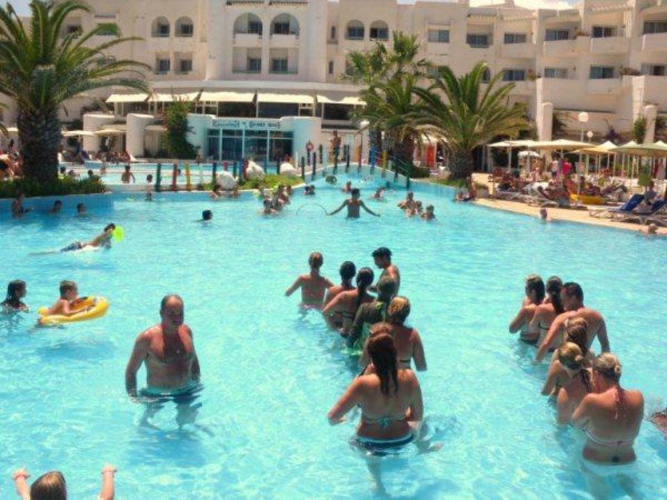 Jeux piscine Hotel El Mouradi Skanes Beach