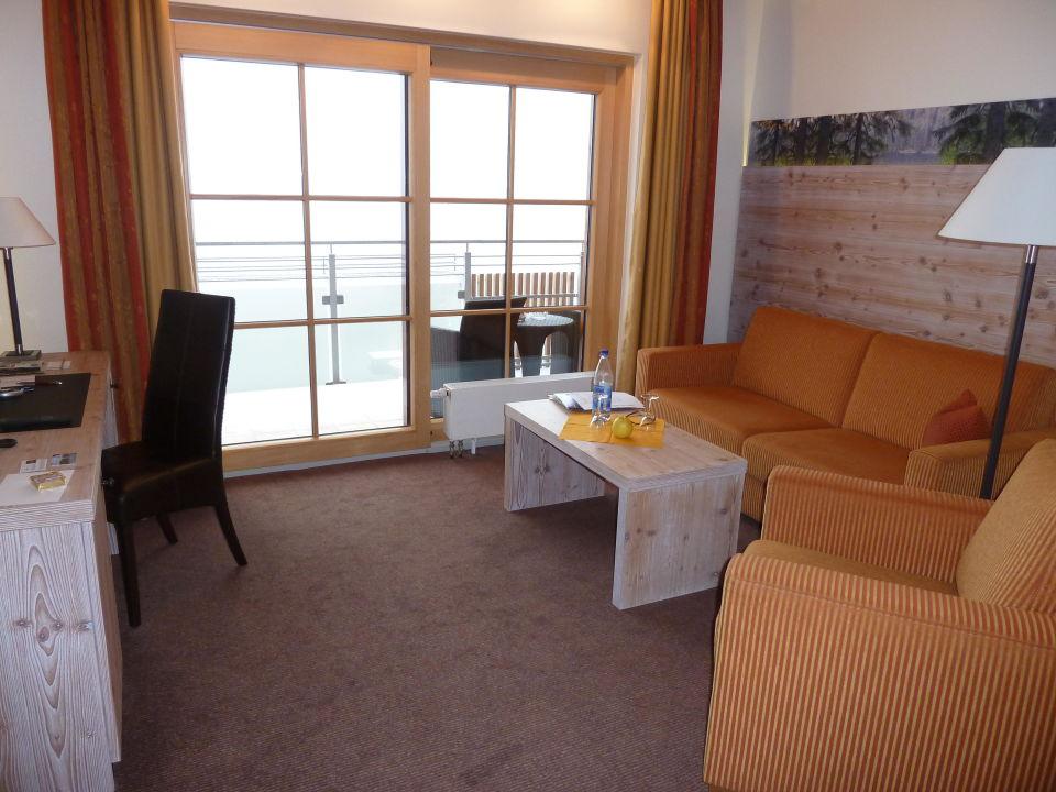 Wohnzimmer der suite berghotel mummelsee in seebach for Wohnzimmer 4 x 8