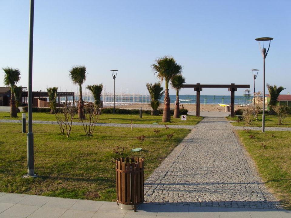Weg zum Strand Sunis Evren Beach Resort Hotel & Spa