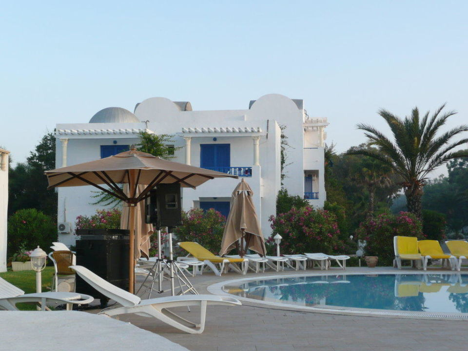Kinderpool früh morgens Hotel Eldorador Salammbo
