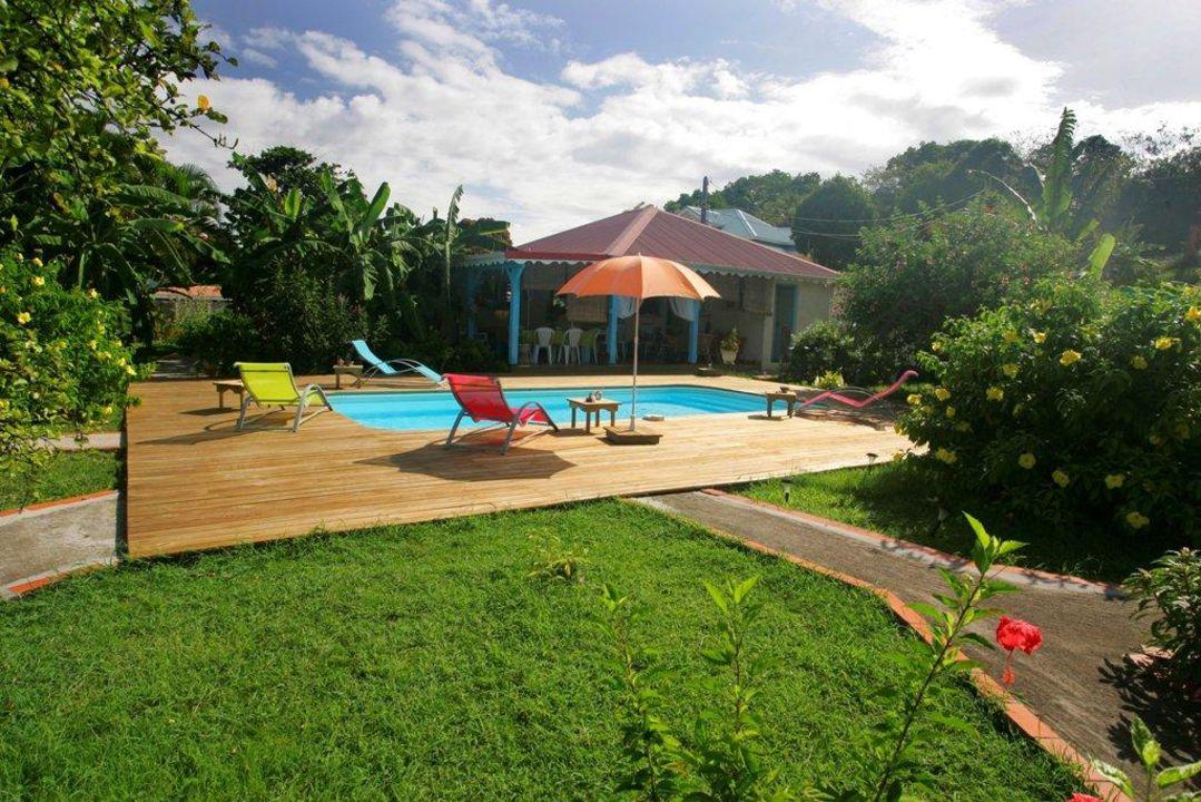 Vue piscine Hotel Les Bananiers