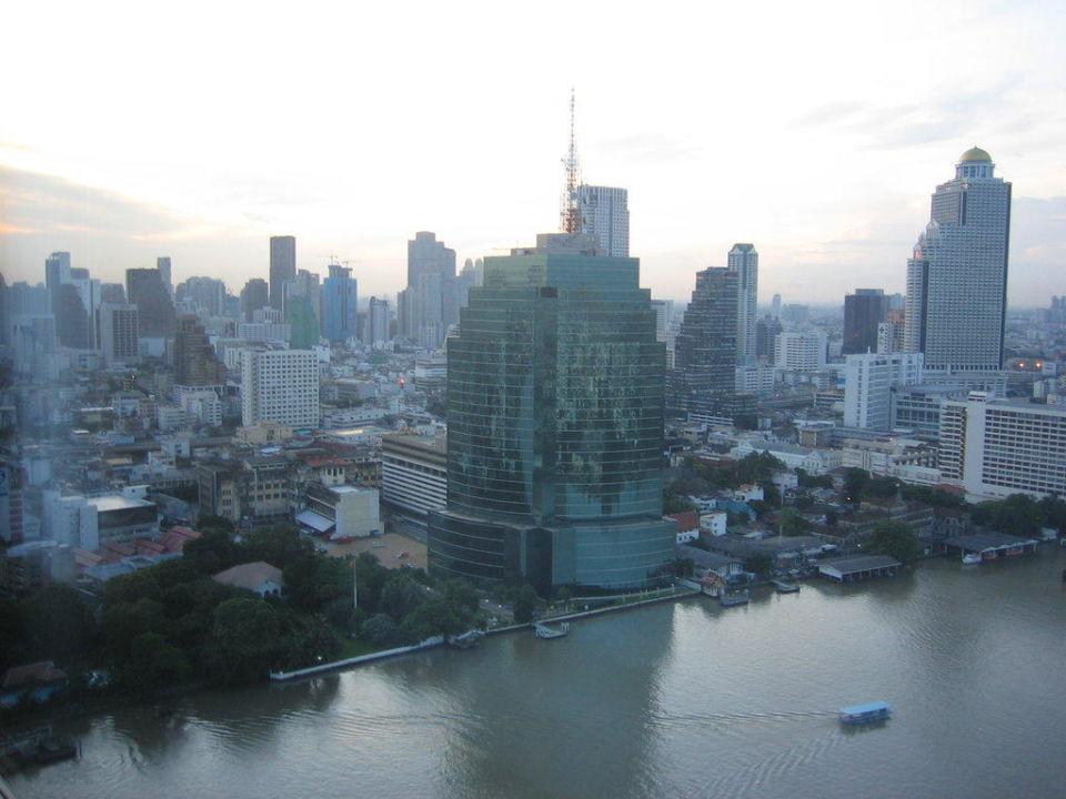 Blick aus dem Zimmerfenster Millennium Hilton Bangkok