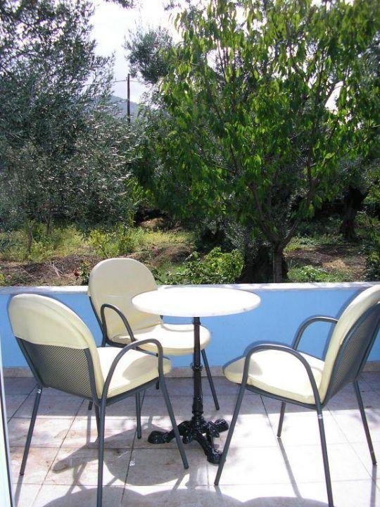 Garden view Eleutheria Apartment