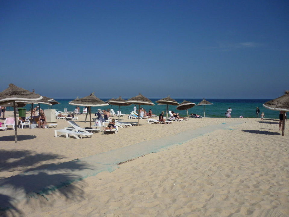 Hotel od strony plaży Hotel Riadh Palms