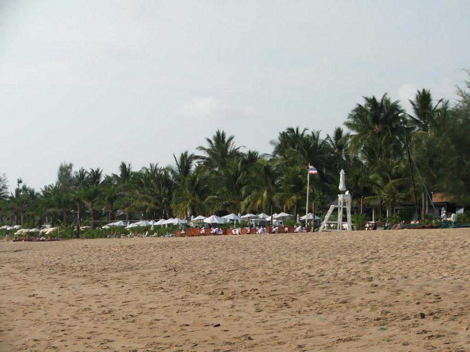 Strand vorm Hotel La Flora Khao Lak