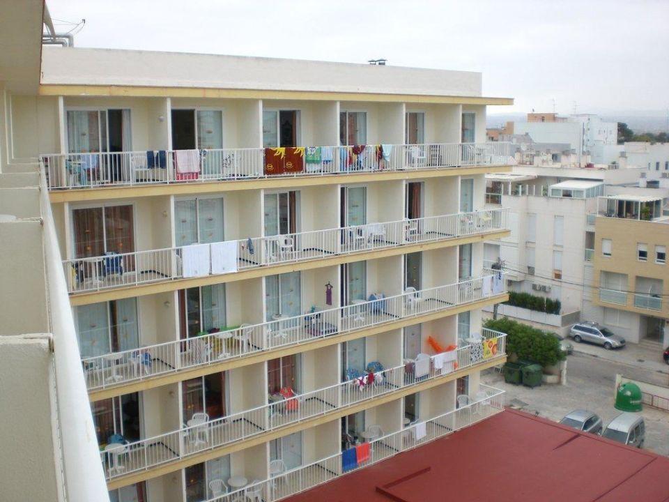 Blick auf das Hotel vom Balkon aus Hotel Roc Leo