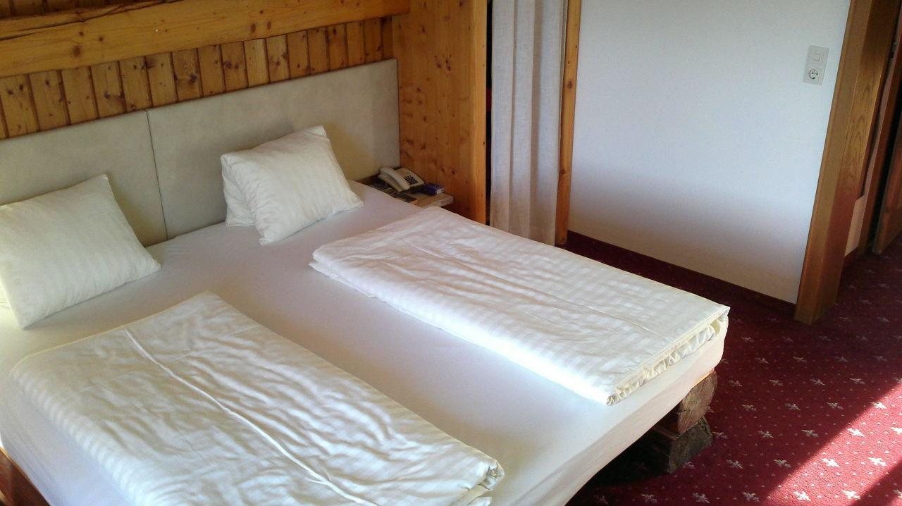 ... Schlafzimmer Kiefer Hirsch By Bett Mit Vorhang Bett Mit Vorhang Fotos  Das Wirklich ...