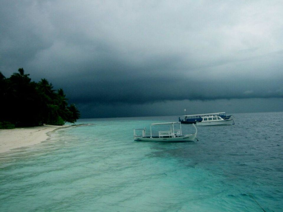 Thunderstorm auf Fihalhohi Hotel Fihalhohi Island Resort