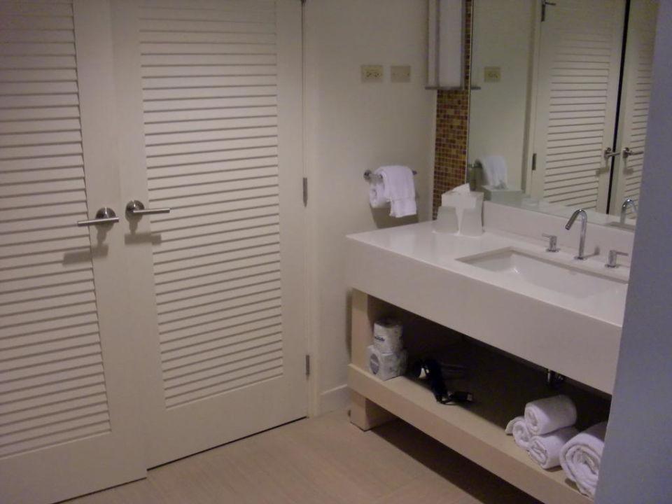Badezimmer Mit Kasten Und Feuchter Wasche El Conquistador A