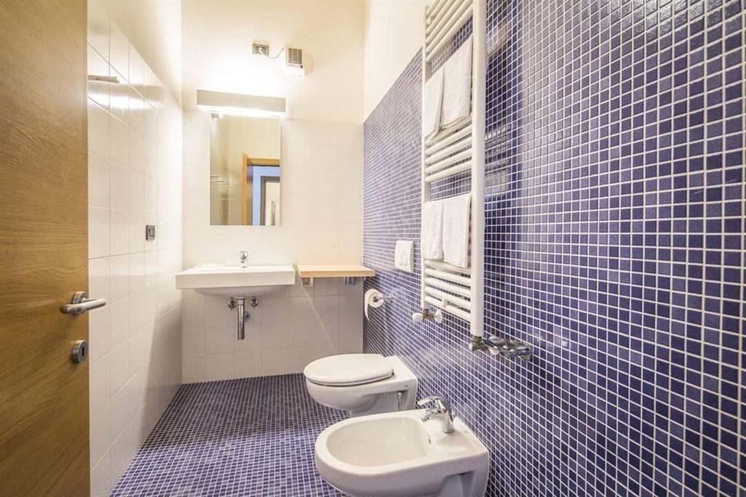 Bagno In Camera Design : Un loft design a mestre come una scatola di cristallo
