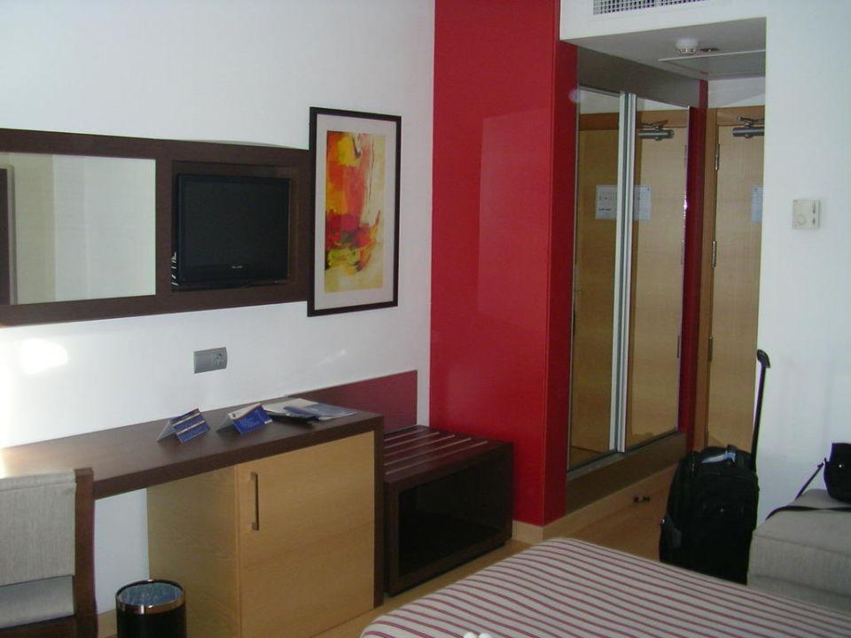 Blick vom Bett Richtung Flur / Tür Hotel Pabisa Chico