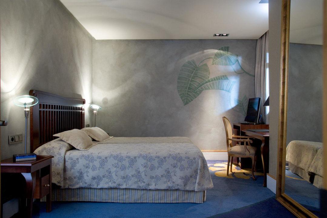 Single Room Hotel NH Collection Madrid Paseo del Prado