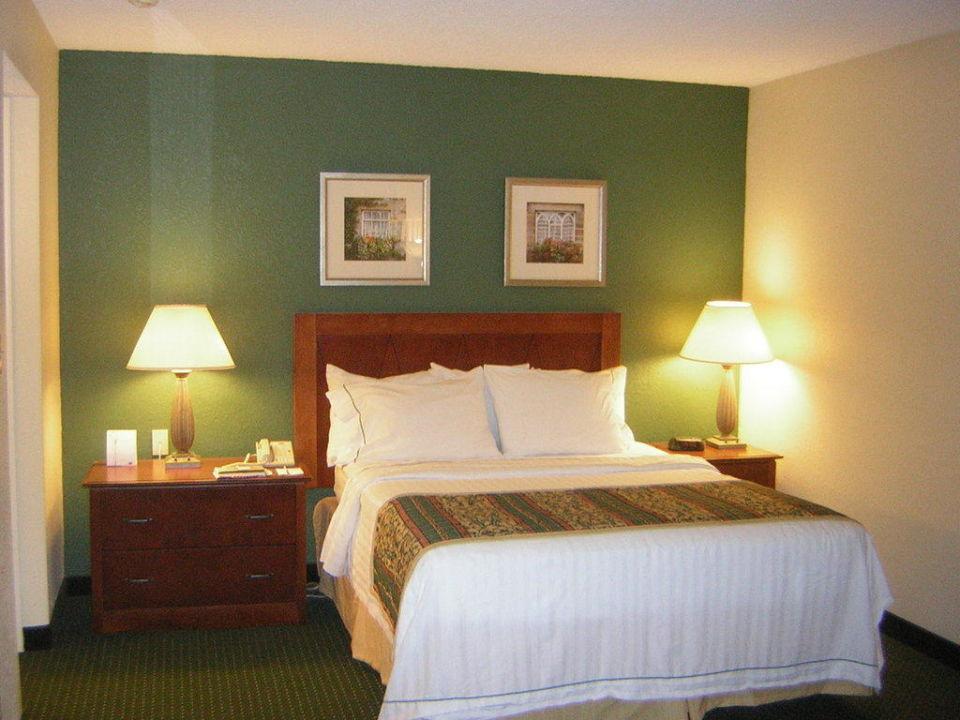 queensize bett hotel residence inn burlington williston. Black Bedroom Furniture Sets. Home Design Ideas
