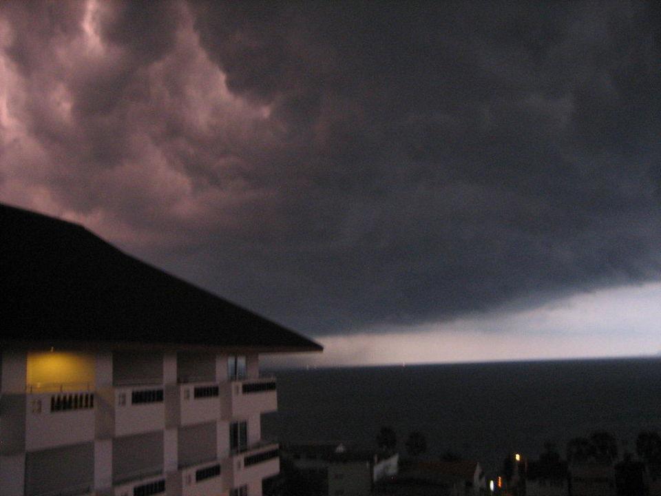 Gewitter über dem Hotel Hotel Jomtien Thani