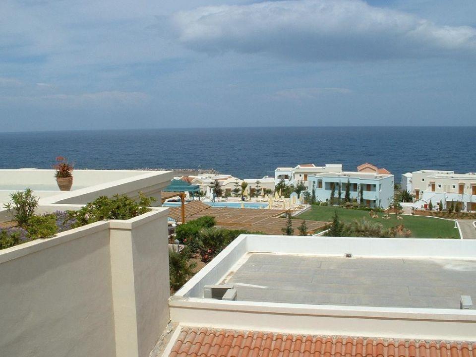 Blick vom Haupthaus auf die Bungalows Iberostar Creta Marine