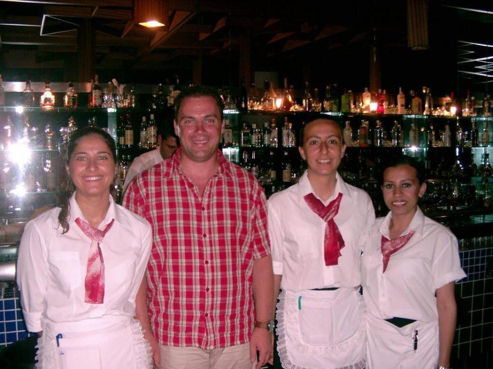 Personal an der Bar Grand Hotel Ontur