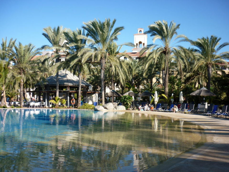 Pool Mit Kunstlichem Strand Lopesan Costa Meloneras Resort Spa