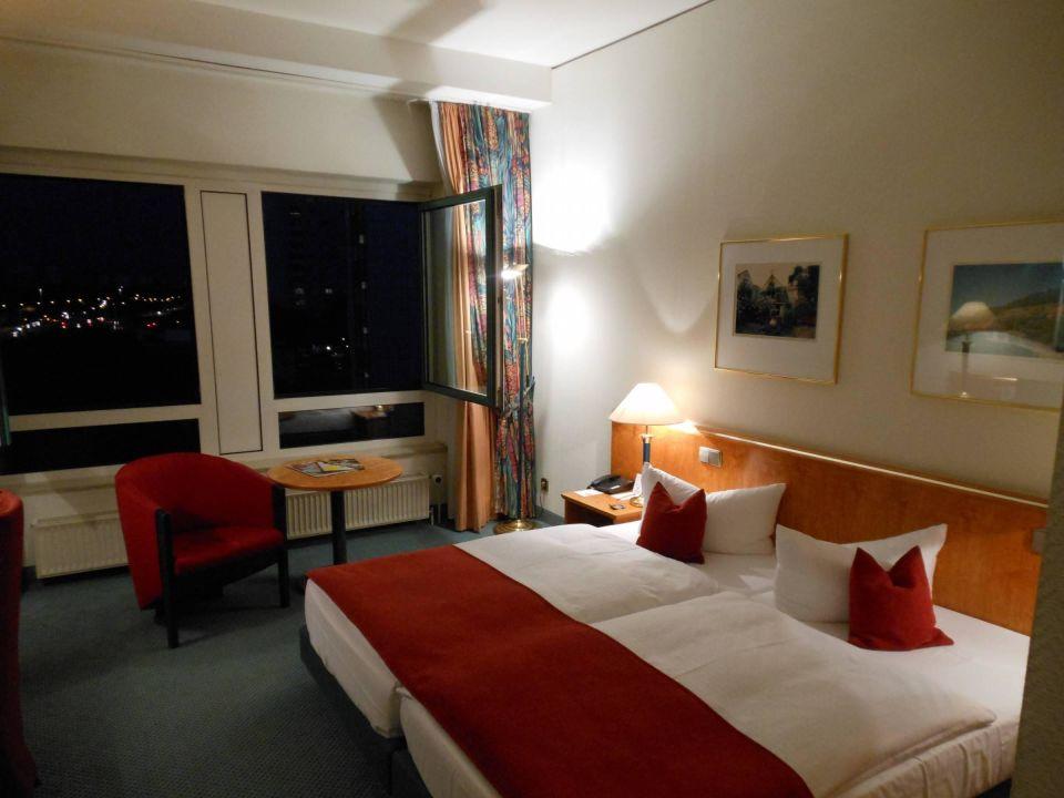 Bild zimmer zu dorint hotel dresden in dresden for Hotelzimmer dresden