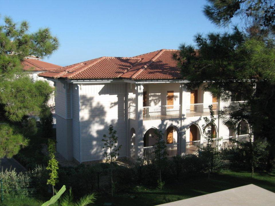 Ausblick auf anderes Gebäude aus Familienzimmer Hotel Güral Premier Tekirova