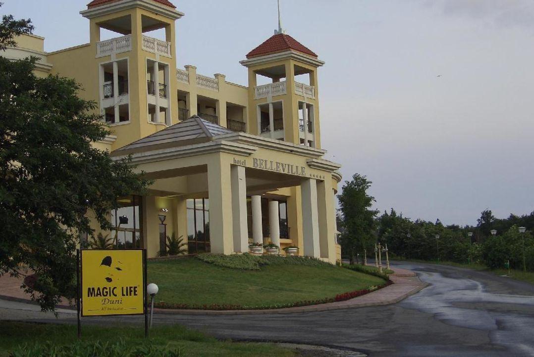 Belleville Front-Seitenansicht Duni Royal Holiday Village