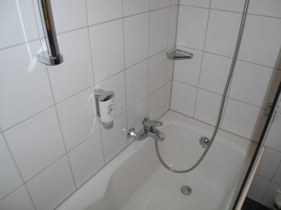bild badezimmer 326 zu m venpick hotel m nster in m nster. Black Bedroom Furniture Sets. Home Design Ideas