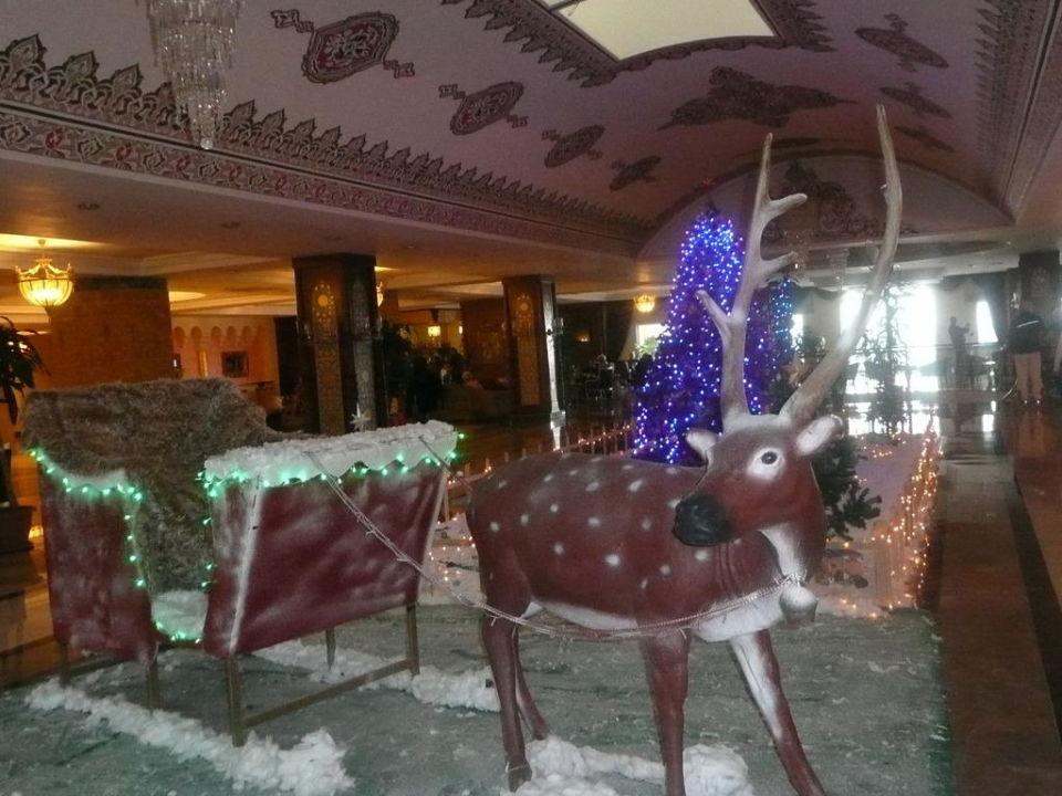 Weihnachtsdeko Schlitten Hotel Adalya Resort Spa Evrenseki