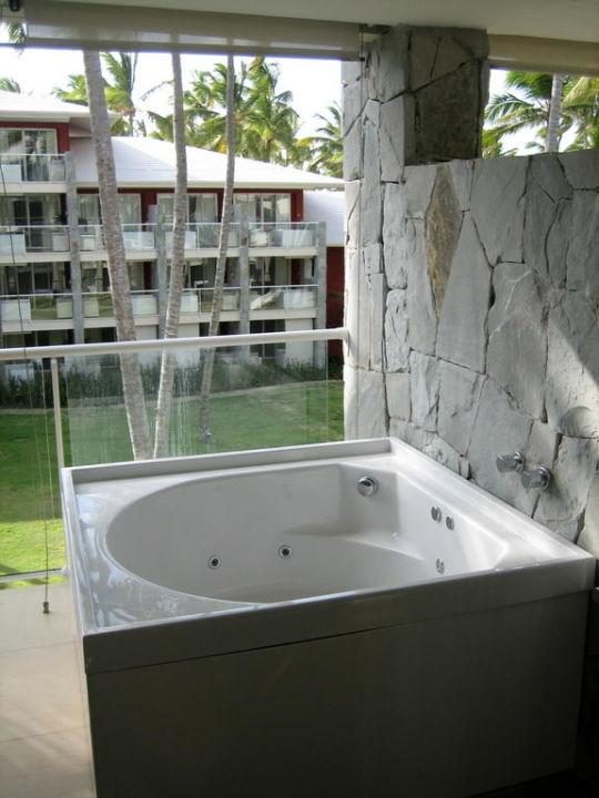 Der Whirlpool auf dem Balkon\