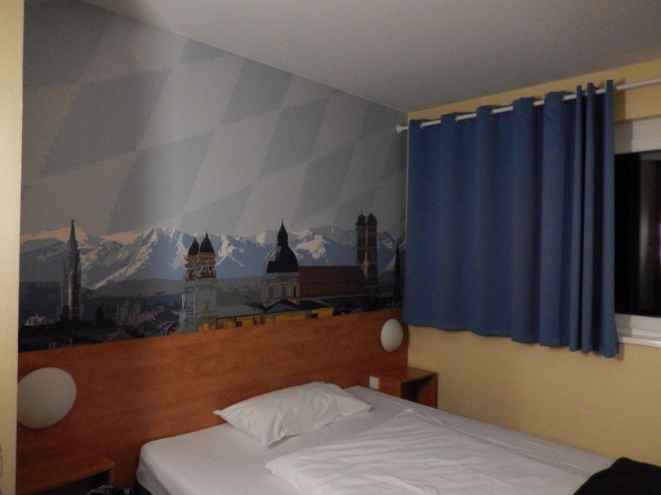 Grosses Bett Sehr Bequem B B Hotel Munchen Airport Hallbergmoos