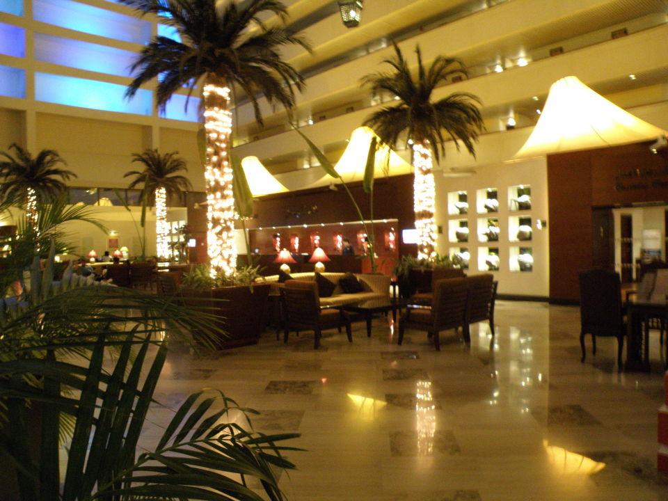 Rezeption Radisson Blu Resort Sharjah